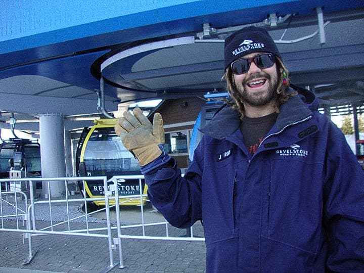 Work At A Ski Resort Make Money Travelling The World