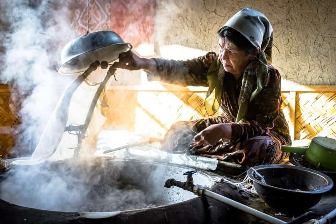 Uzbek Lady Extract Silk Road Photo Journey